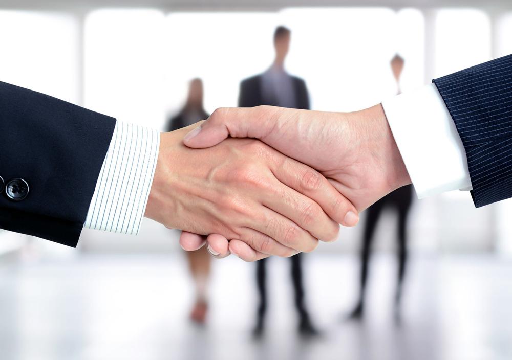 Contracte. Cabinetul de avocat din Galati Dan Antohe asigura consultanță și asistență în negocierea și încheierea: